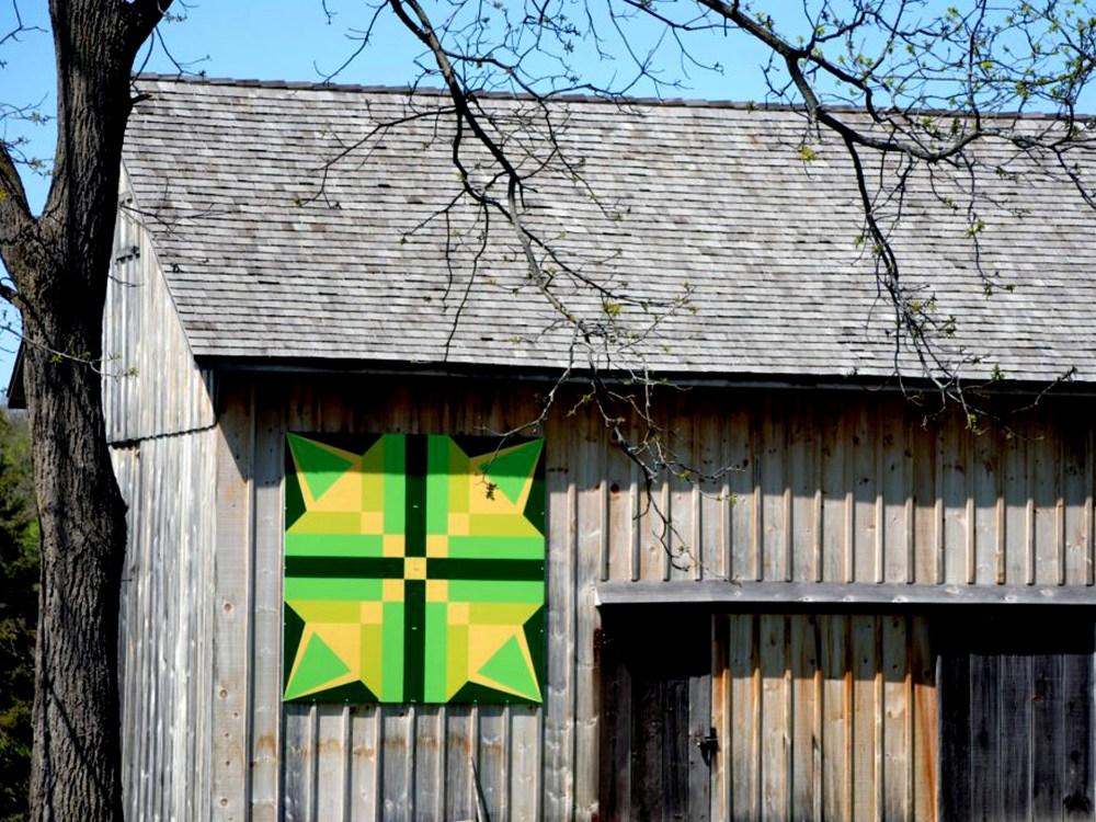 Vibrant barn quilt block in Elgin County
