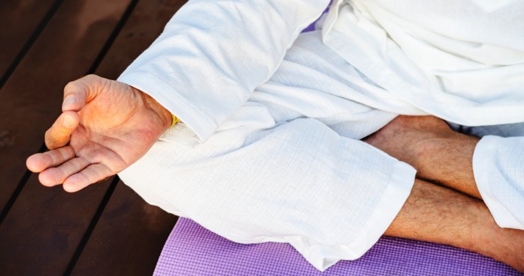Slapende voet of been bij meditatie? – zo los je het op