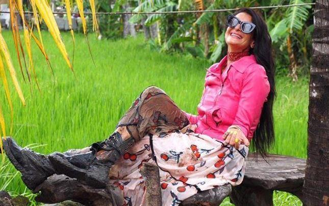 تالا علم الدين شقيقة أمل كلوني تتميز في عالم الموضة والأزياء