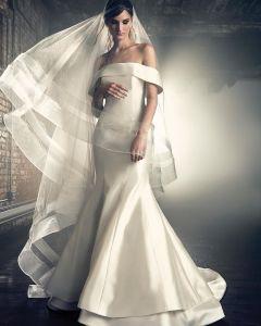 سارة نوري المصممة الأيرانية تبدع في مجموعتها الجديدة بتصاميم فساتين الزفاف