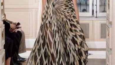 دارشياباريلي تلفت الانظار اليها عبر تصاميمها المتناقضة والمتنوعة في اسبوع الأزياء