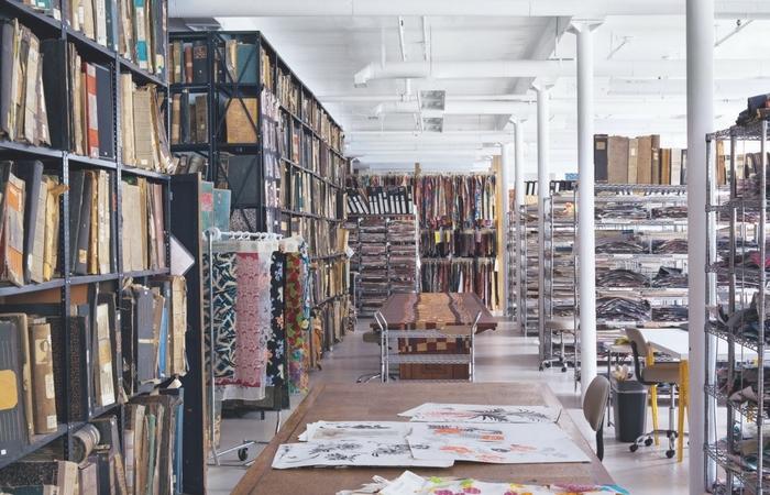 """espacio del archivo de Nueva York, publicado en """"Patterns: Inside the Design Library"""", por Peter Koepke. Editorial Phaidon, 2016"""