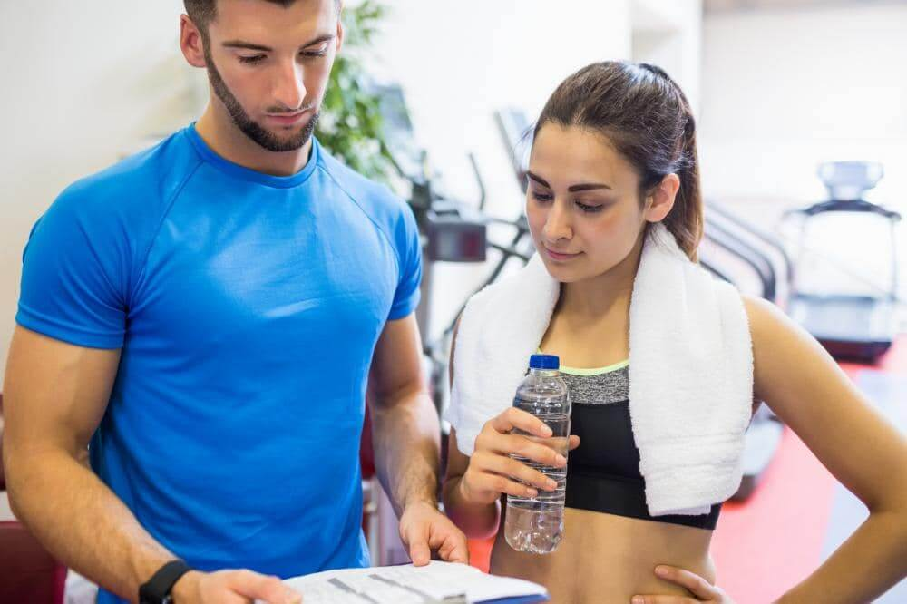 http://streaming.yayimages.com/images/photographer/wavebreakmedia/1a12272760565996c166814e31e7ebb6/trainer-and-athlete-discussing-workout-plan.jpg