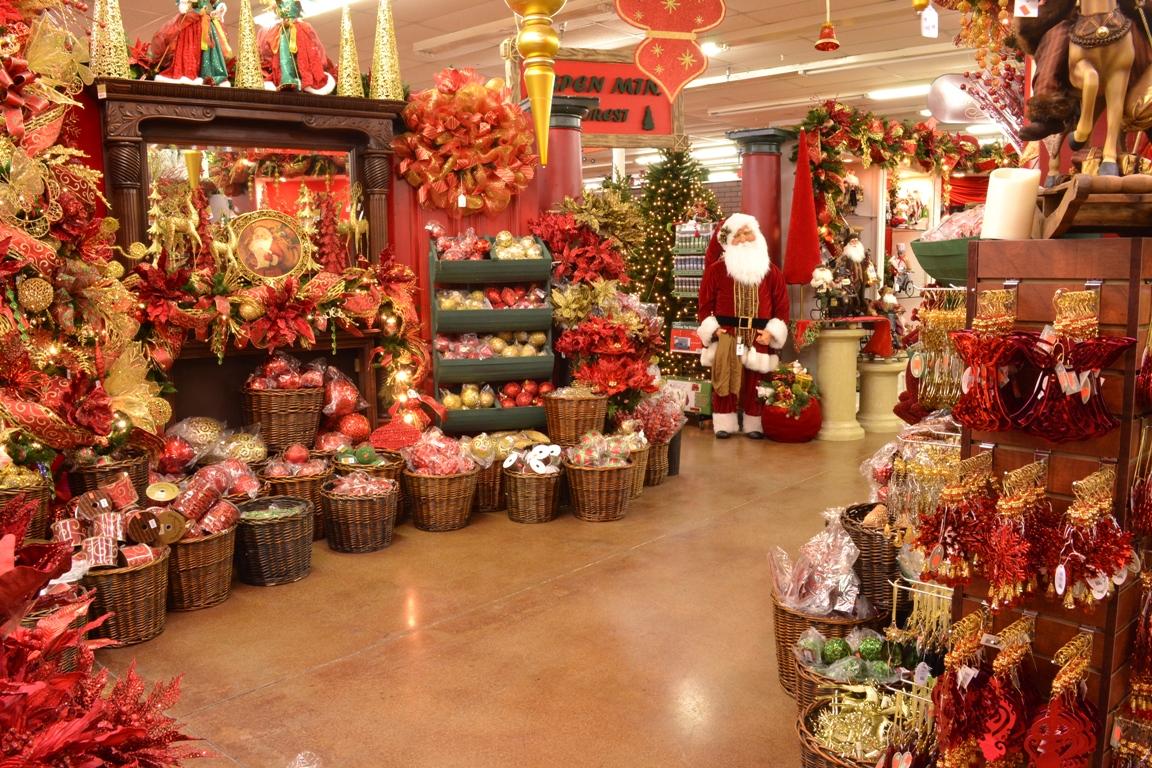 Loja especializada em decorao natalina no