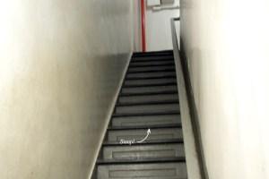3-25 - walkup stairs