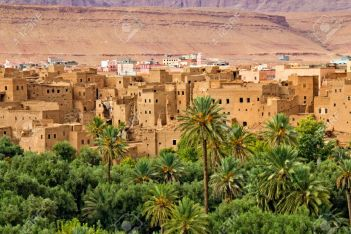 10-18-thousand-kasbah-road-oasis-in-sahara-desert-area-stock-photo