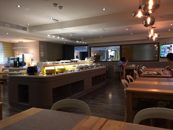 「ホライゾン イン」のレストラン