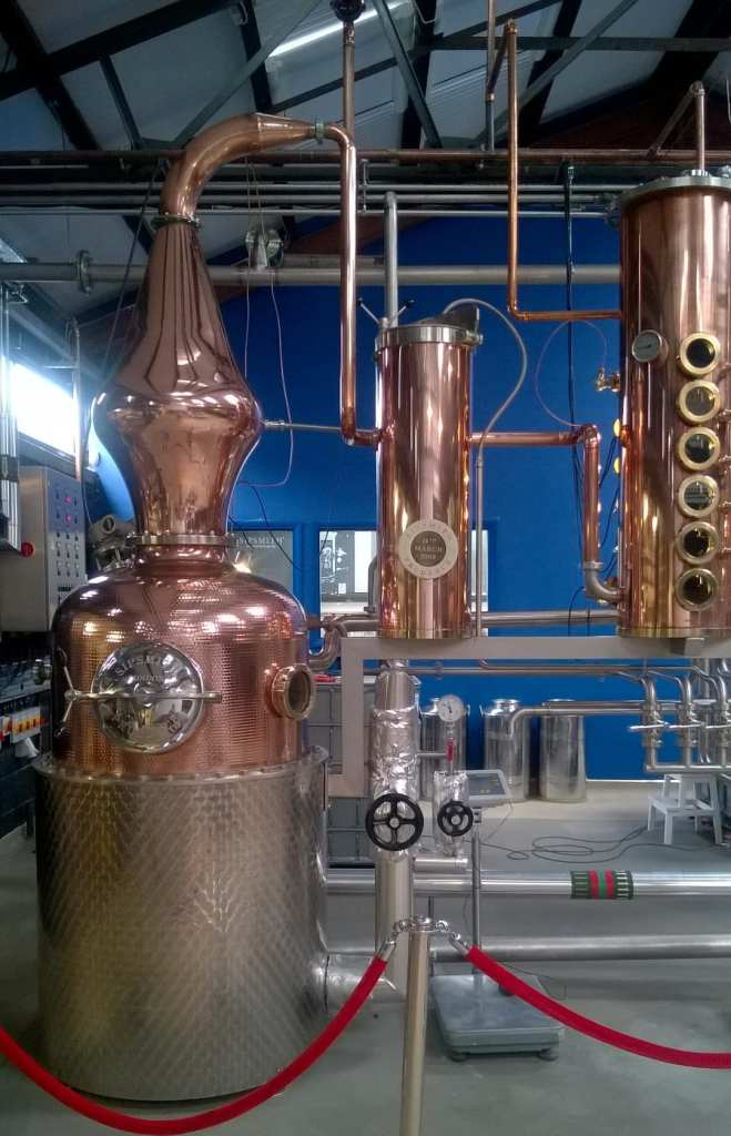 Gin pot still