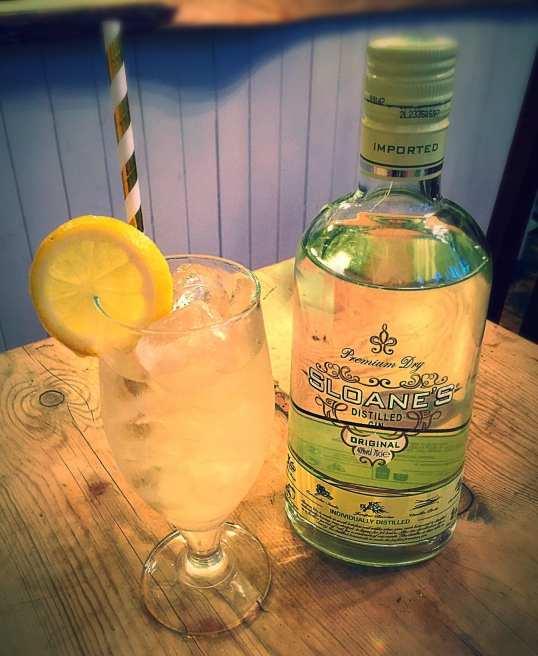 Sloanes gin fizz