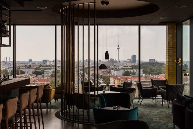 skybar-berlin-interior-view-1-high