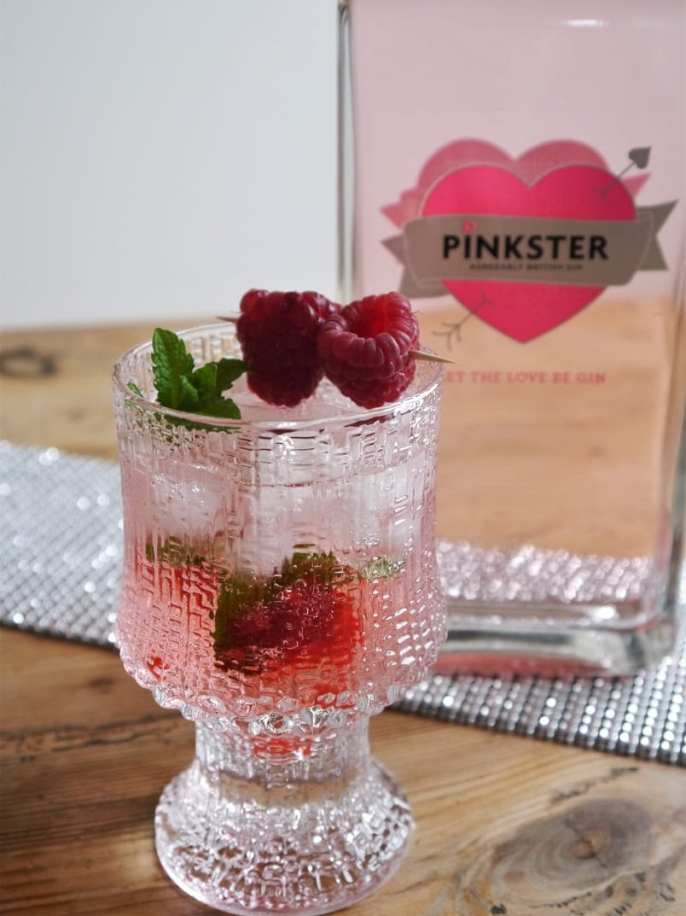 Pinkster G&T with raspberries