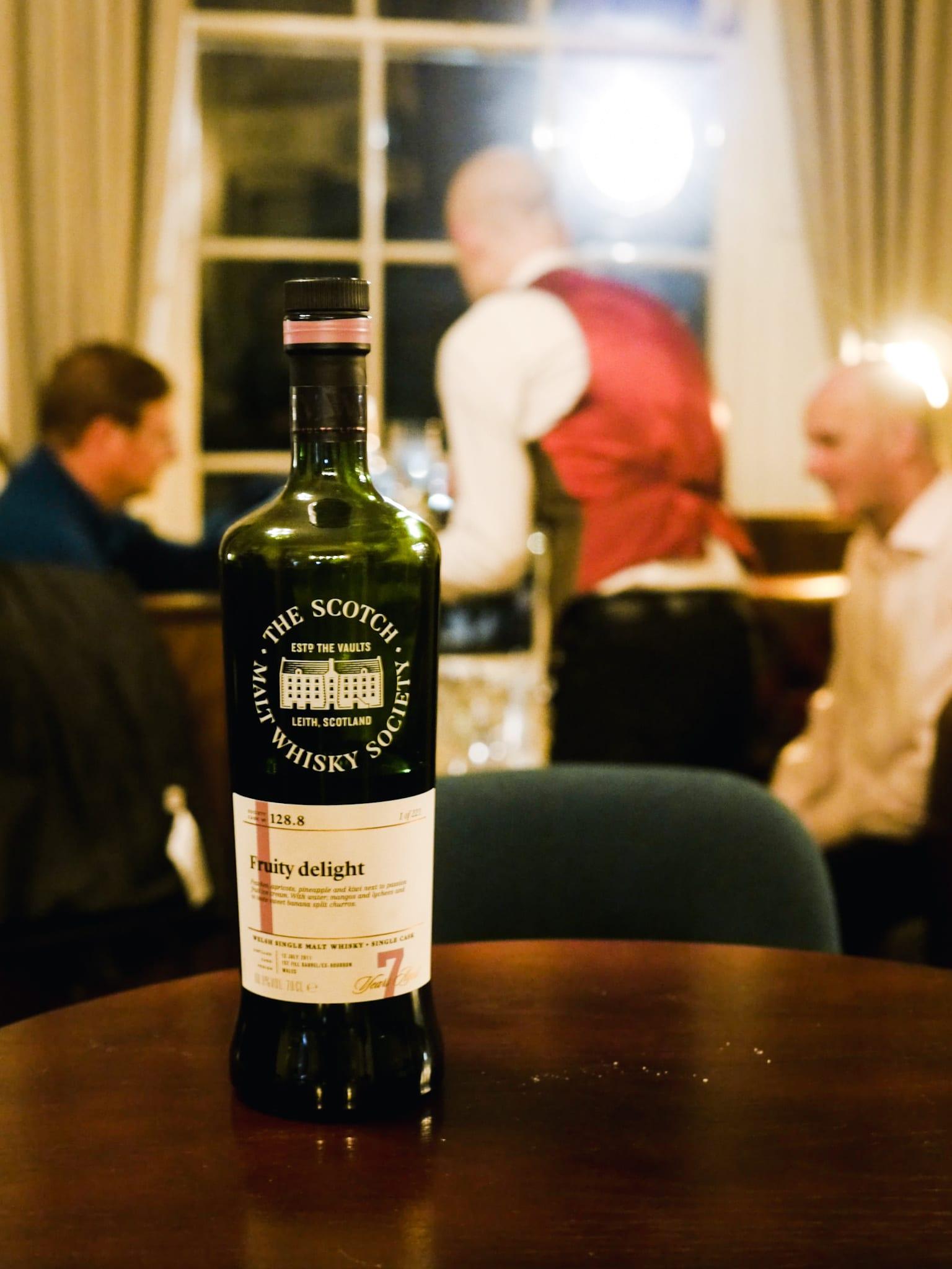 Edinburgh whisky bar