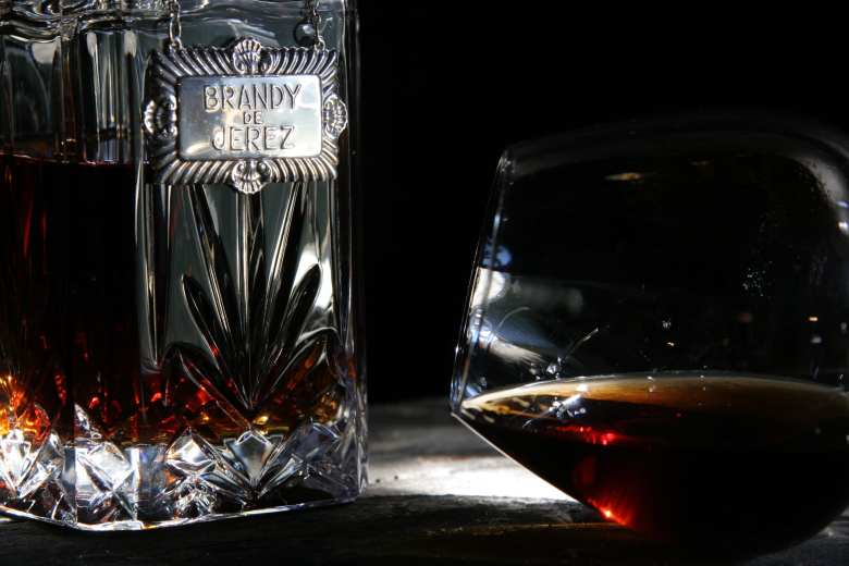 Brandy de Jerez serve