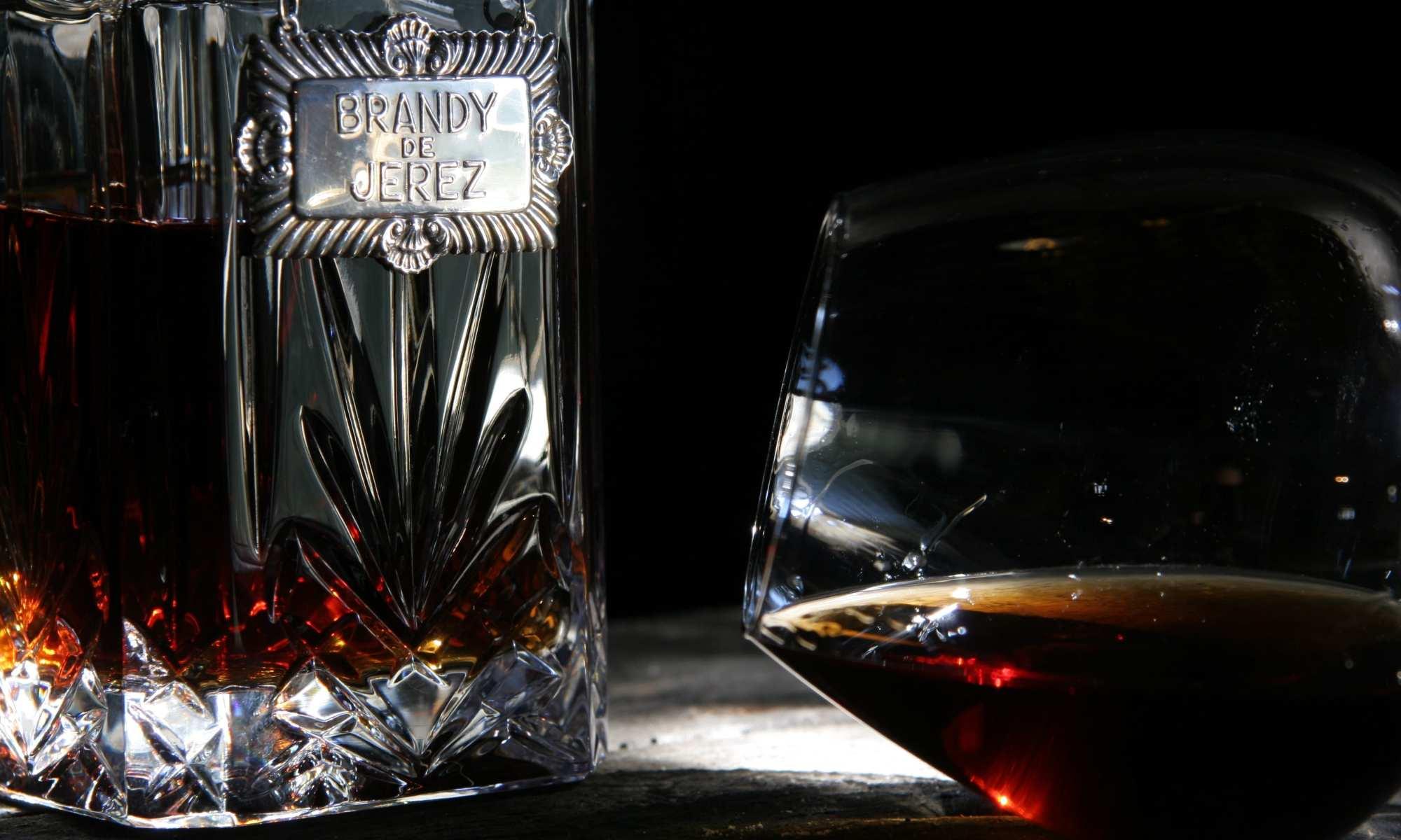 Brandy de Jerez serve
