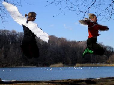 chameckilerner (2007) Flying Lesson 2, Digtial C-print