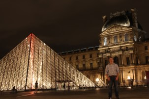 Louvre at night