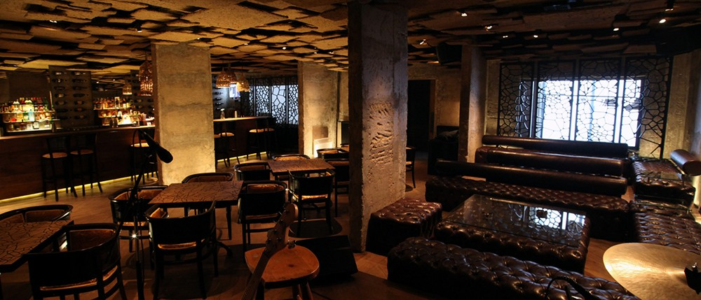 Hamam jazz bar on the list of top 5 best bar designs in for Best lounge designs
