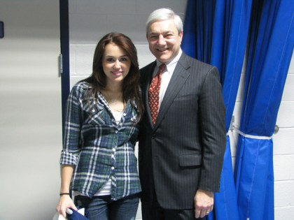 Miley_Cyrus_and_Graham_Spanier