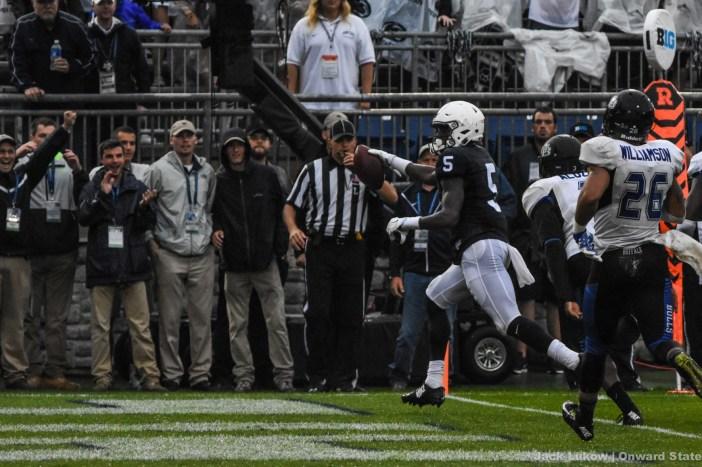 DaeSean Hamilton crosses the touchdown line.