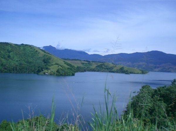 Lake sentani - wikimedia.org