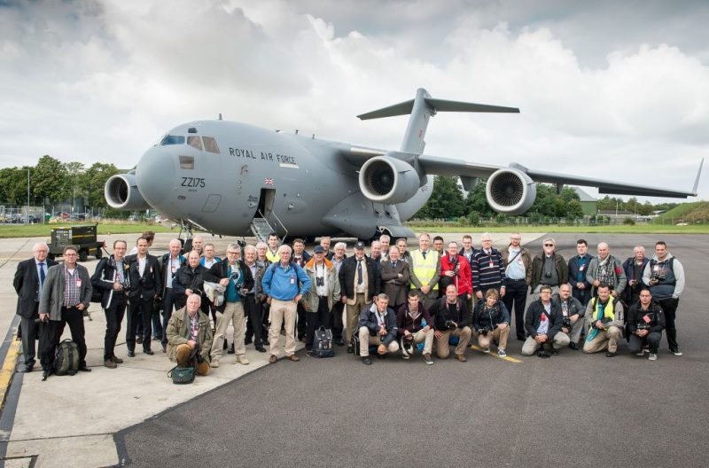 DUTCH VISITORS TO 99 SQN