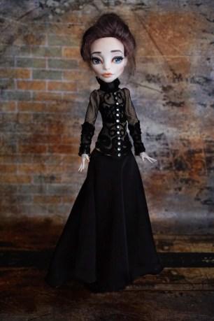 Vanessa Ives doll