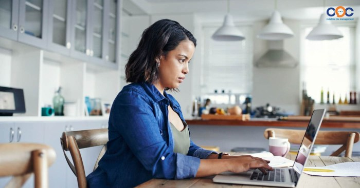 Làm việc tại nhà nên được các doanh nghiệp đưa vào áp dụng