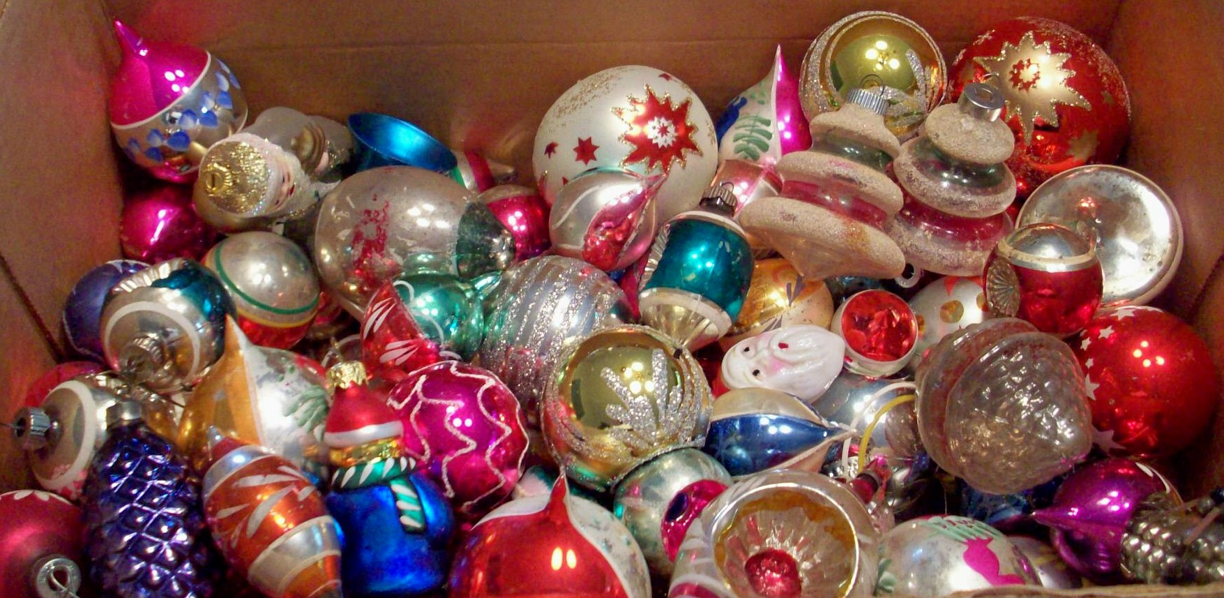 Old Fashioned Christmas Ornaments Home Decor