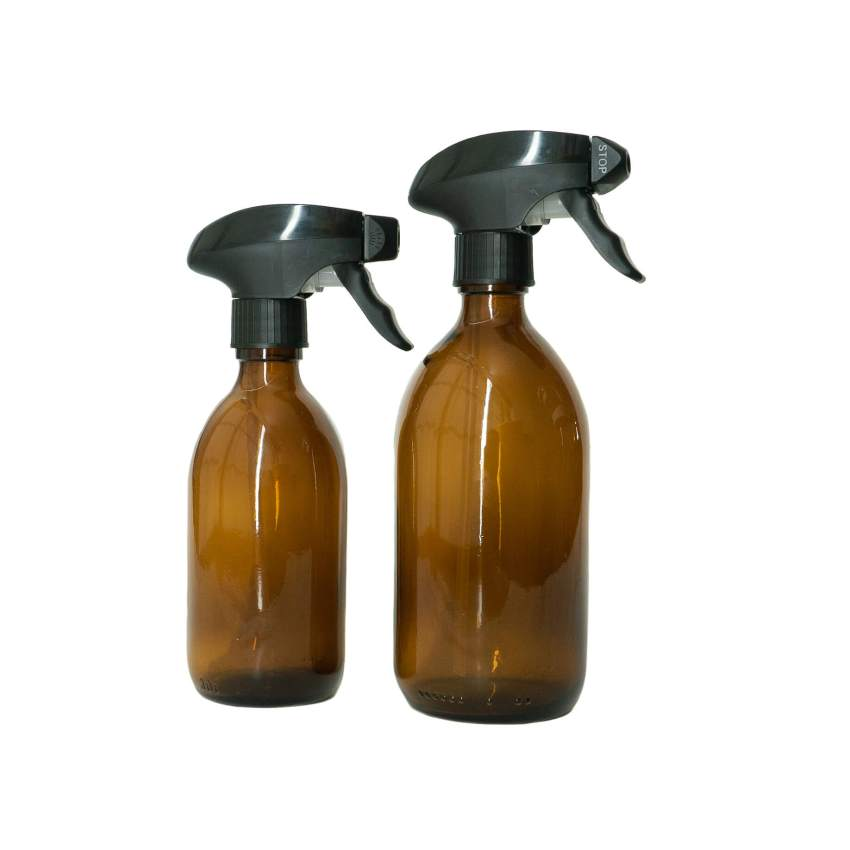 Glass bottle with spray trigger