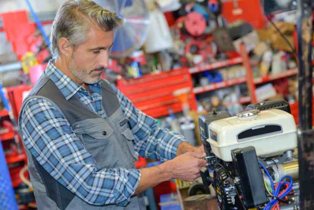 servicing a dual fuel generator