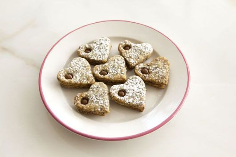 Poppy Seeds and Chocolate Cookies