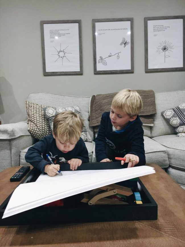 large paper and large markers for kids