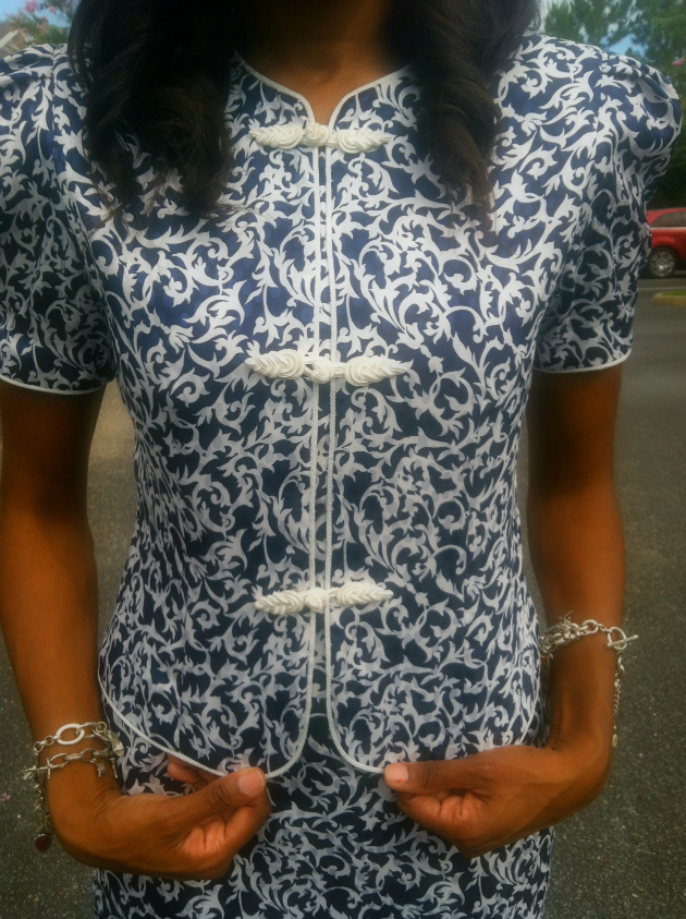 style-files-with-pretty-price-blue-white-printed-skirt-suit-vintage-thrifted-petite-sophisticate-3
