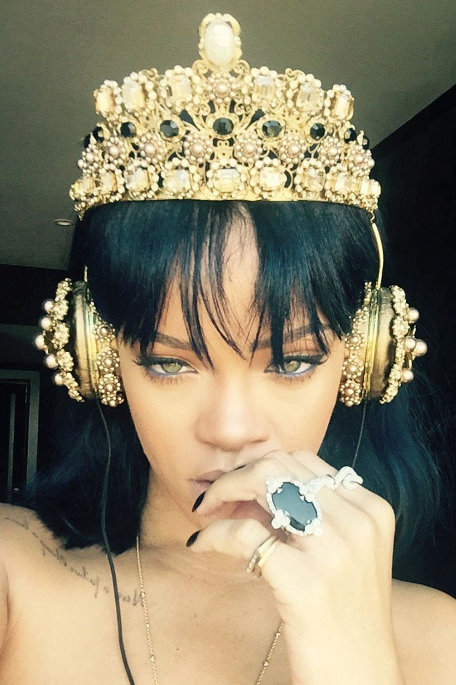 Rihanna-Instagam-FRENDS-Dolce-Gabbana-Embellished-Leather Headphones-with Gold-Crown-11