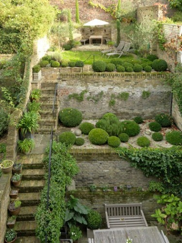Clever Ideas For A Sloping Backyard! Renovate & Real Estate