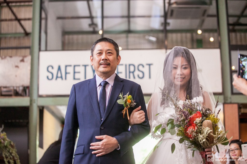 Liang-Pojoo-LiangPojooRingOnIt-Whup-Whup-Restaurant-Cafe-Couple-Portrait-Prewedding-Pre-Wedding-Ceremony-Day-Engagement-Photography-Photographer-Malaysia-Kuala-Lumpur-Ooi-Eric-Studio-17