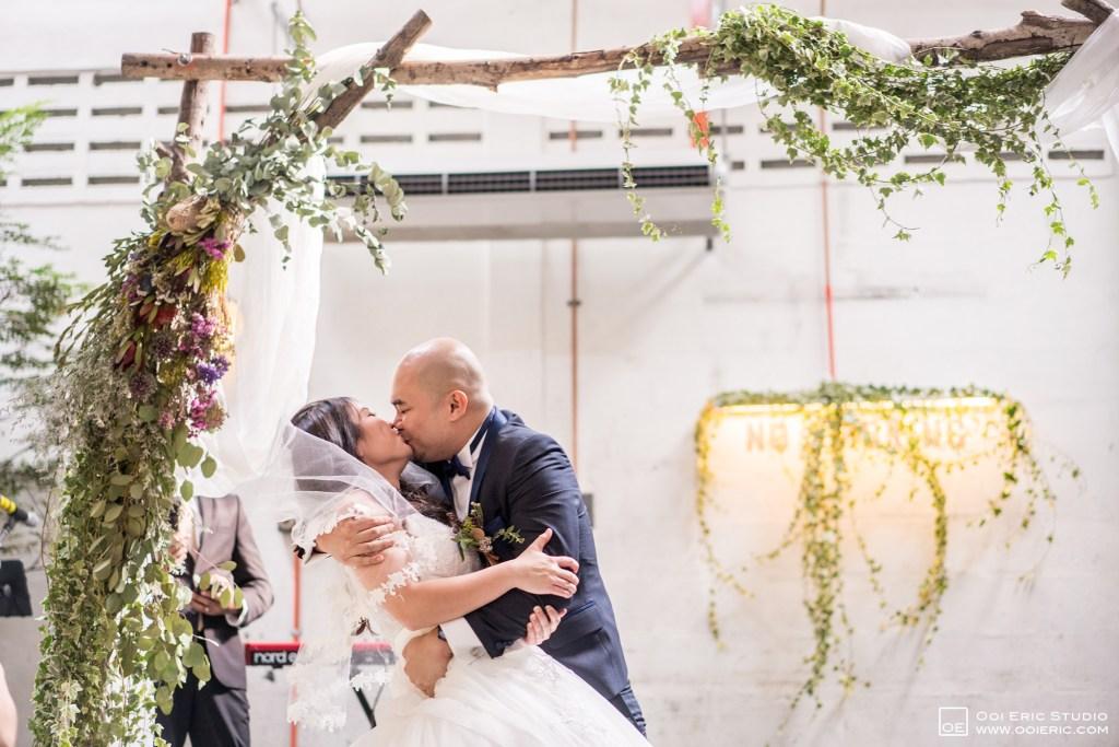 Liang-Pojoo-LiangPojooRingOnIt-Whup-Whup-Restaurant-Cafe-Couple-Portrait-Prewedding-Pre-Wedding-Ceremony-Day-Engagement-Photography-Photographer-Malaysia-Kuala-Lumpur-Ooi-Eric-Studio-35
