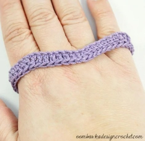 3 - Free Pattern Simply Easy Chevron Bracelet @OombawkaDesign