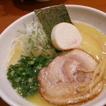 ゆうじ・鶏白湯しおらーめん700円