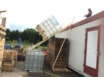 fase 2: container over de glijbaan