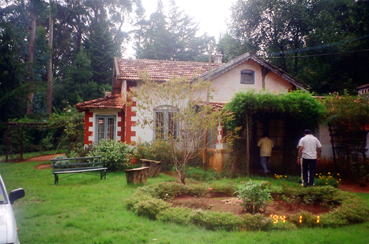 Colonial Bungalow for sale with 2acres of land in Coonoor, Ooty (1/6)