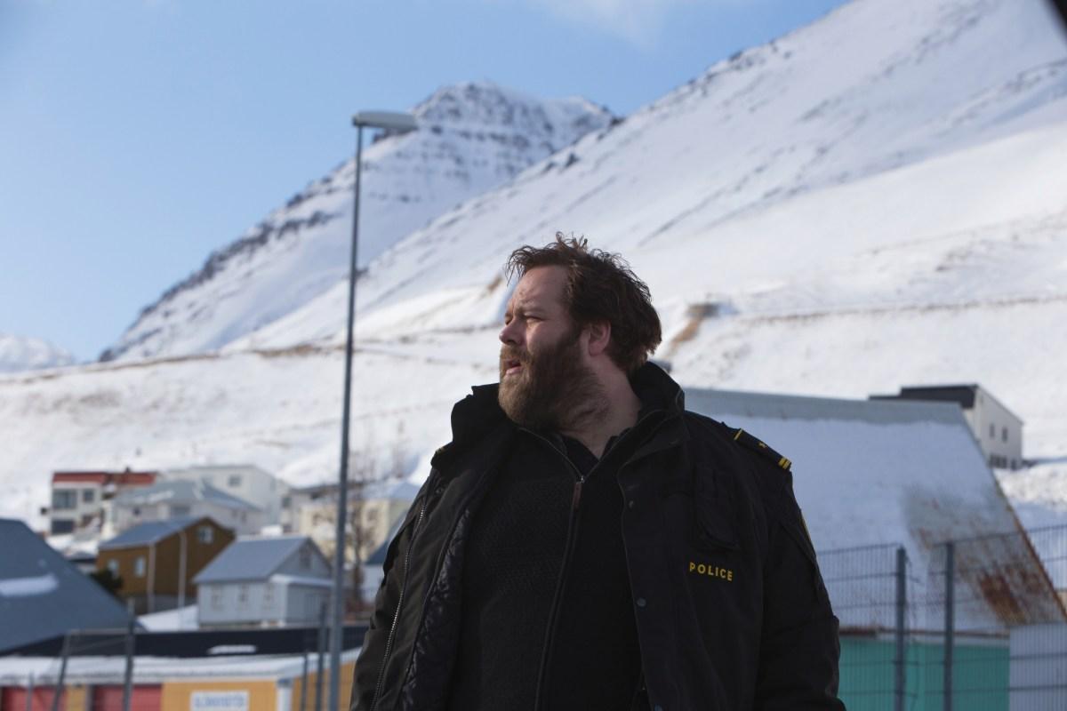 Fanget i snøkaoset på Island