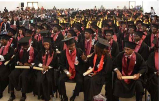 Docentes universitários podem cruzar os braços ao arranque das aulas