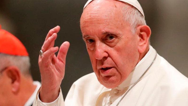 Papa torna obrigatórias regras contra corrupção em gastos no Vaticano