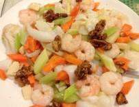 Shrimps and Walnut Stir Fry
