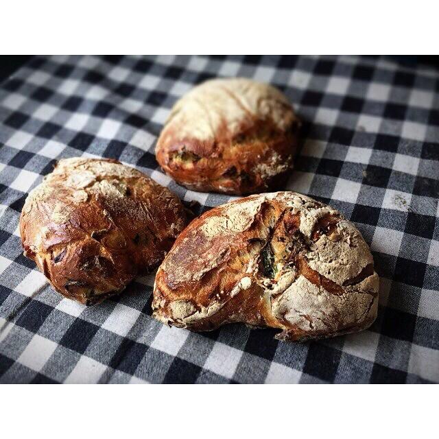菜の花とベーコンのリュスティック | OPAN オパン|東京 笹塚のパン屋