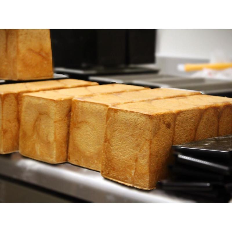 本日も人気の食パン 角食、山型食パン | OPAN オパン|東京 笹塚のパン屋
