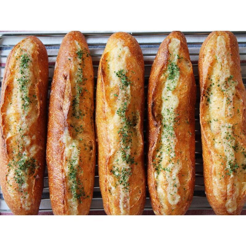 本日のガーリックフランス | OPAN オパン|東京 笹塚のパン屋