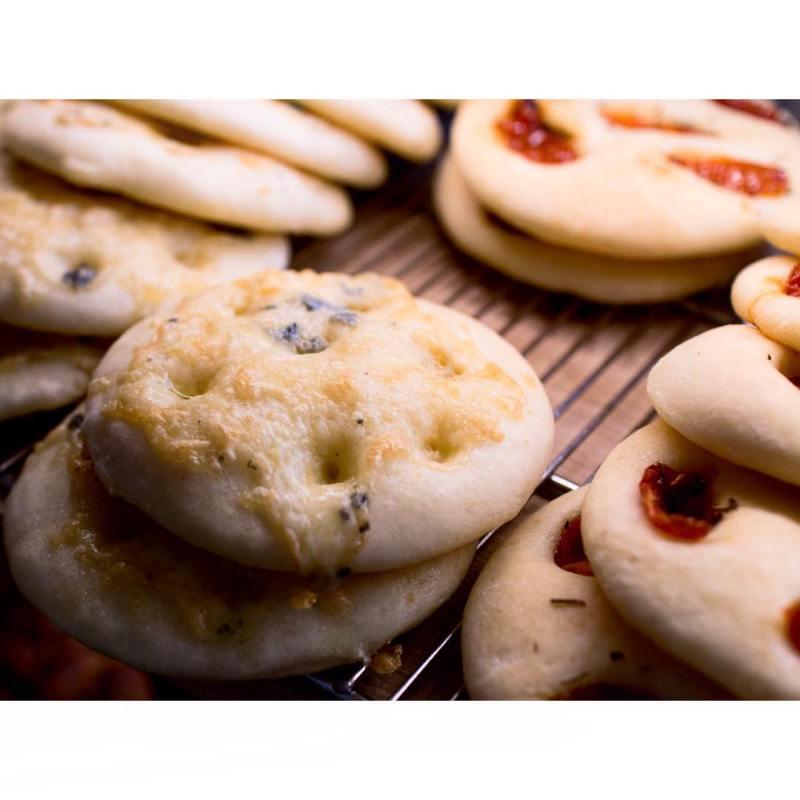 4種のチーズフォカッチャ | OPAN オパン|東京 笹塚のパン屋