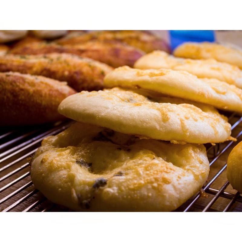 オパンの4種のチーズフォカッチャ   OPAN オパン 東京 笹塚のパン屋